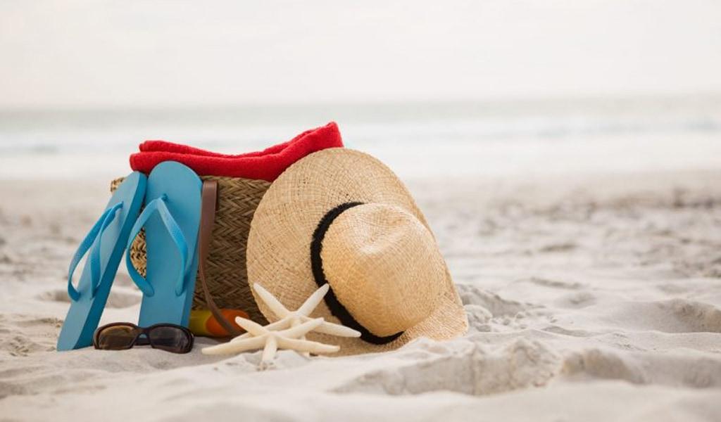 Bolso en la playa de Camboriú