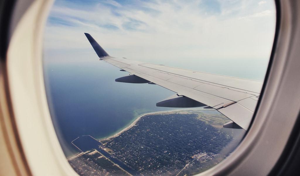 Paisaje desde ventanilla del avión